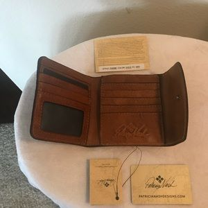 Patricia Nash Bi-fold Reiti Gold Leather Wallet
